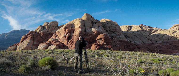 Steven Gruen, en pleins tests avec la Sony FS7, au Red Rock Canyon, au nord de Las Vegas (USA), avril 2015.