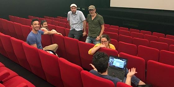 Tests de projection DCP dans une salle de cinéma