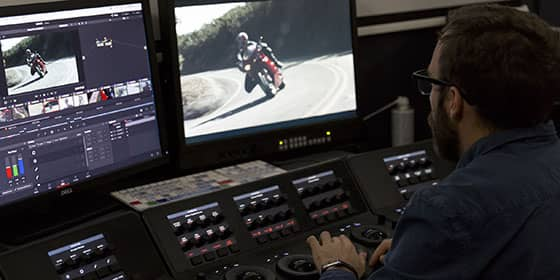 Station Davinci resolve avec pupitre advanced
